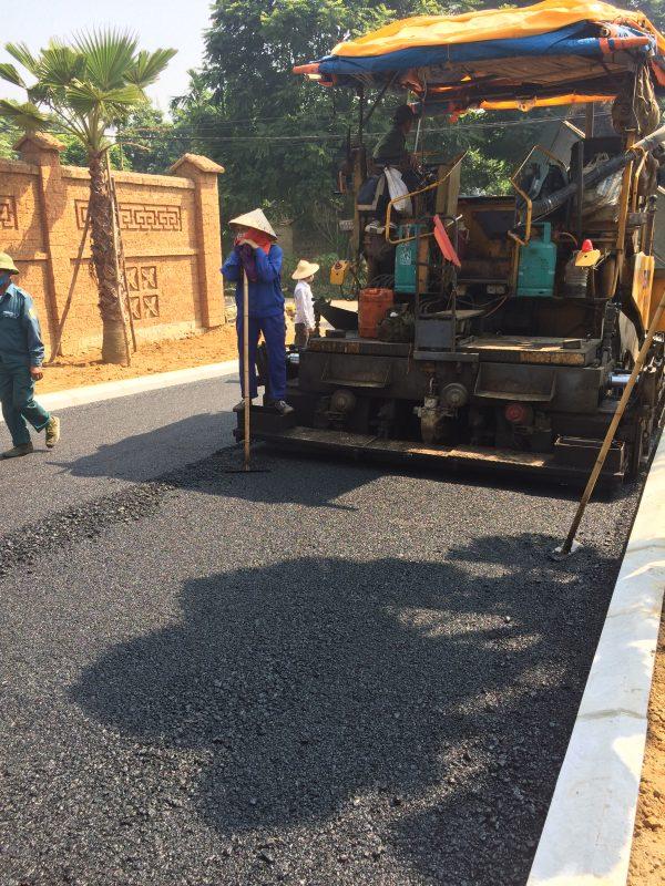 Quá trình rải nhựa mặt đường asphalt