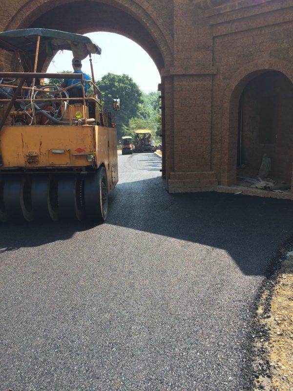 Lu tĩnh bề mặt cuối tuyến trong thi công thảm bê tông nhựa nóng