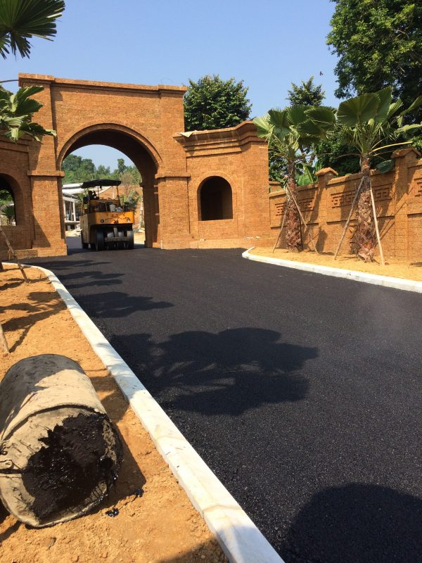 Lu lèn lớp bề mặt thi công thảm bê tông nhựa asphalt