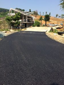 Hoàn thiện toàn tuyến thi công thảm bê tông nhựa nóng
