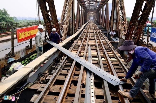 Sửa chữa duy tu cầu Long Biên