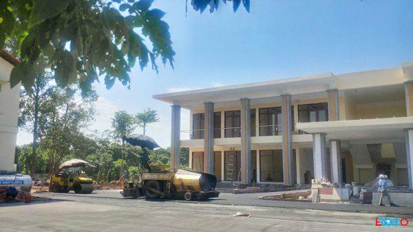 Thảm bê tông nhựa nóng tại Ban cơ yếu chính phủ tỉnh Vĩnh Phúc - máy rải thảm