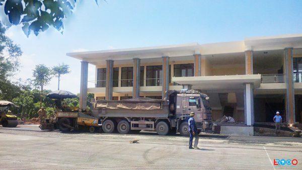 Thảm bê tông nhựa nóng tại Ban cơ yếu chính phủ tỉnh Vĩnh Phúc - xuống thảm