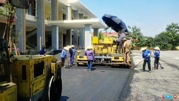 Thảm bê tông nhựa nóng tại Ban cơ yếu chính phủ tỉnh Vĩnh Phúc - nhân công làm mặt
