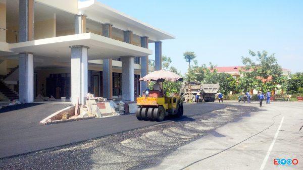 Thảm bê tông nhựa nóng tại Ban cơ yếu chính phủ tỉnh Vĩnh Phúc - lu mặt thảm