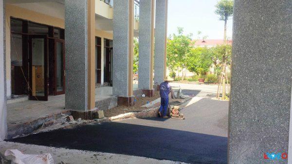 Thảm bê tông nhựa nóng tại Ban cơ yếu chính phủ tỉnh Vĩnh Phúc - đàm góc bằng đầm tay