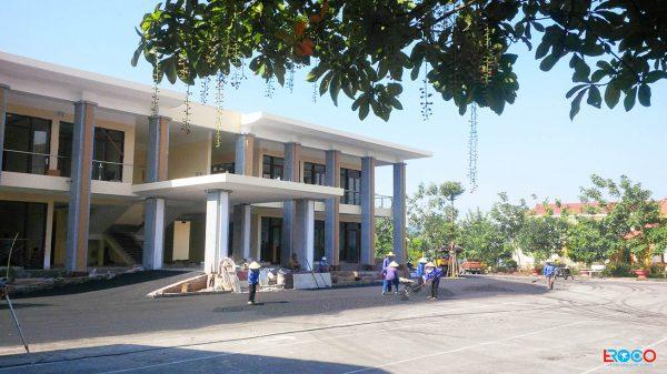 Thảm bê tông nhựa nóng tại Ban cơ yếu chính phủ tỉnh Vĩnh Phúc - nhân công san mặt thảm