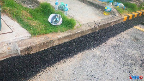 Bề mặt sau khi trải thảm bê tông nhựa nóng tại nhà máy Molex