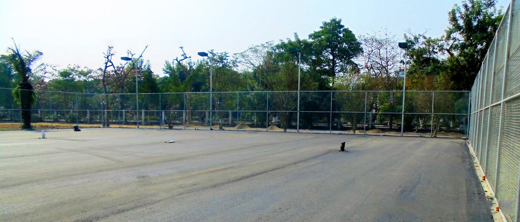 nền sân tennis sau khi lu lèn hoàn thiện bề mặt nhựa asphalt